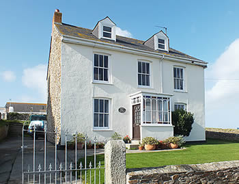 Self catering holidays at Tregundy Farmhouse Perranporth
